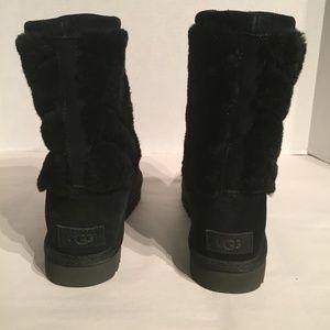 UGG Shoes - Ugg Women's Tania Black Suede Sheepskin Fur Boot